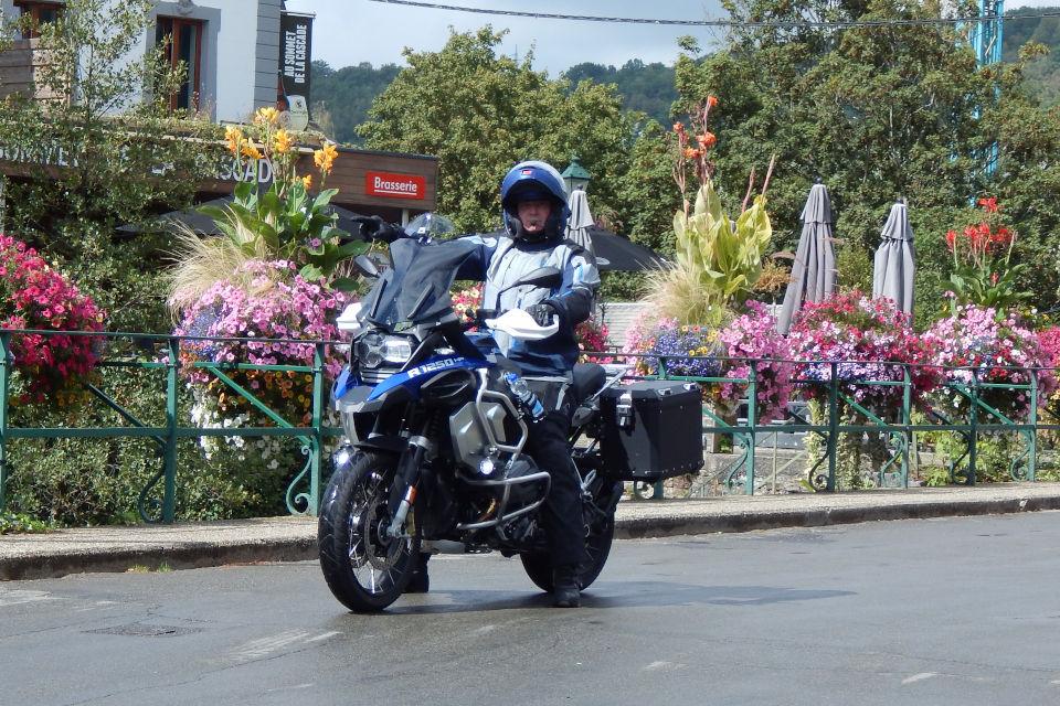 Motorrijbewijspoint Echt examengarantie AVB en AVD